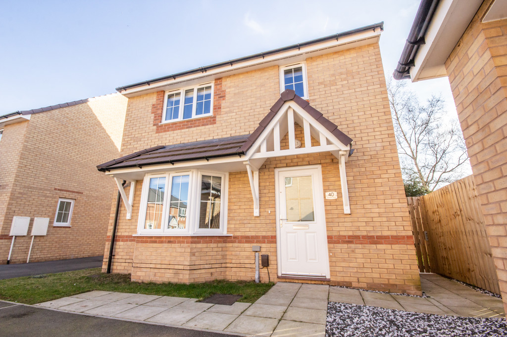 Four Bedroom Detached  for sale in Thurcroft, Rotherham, S6