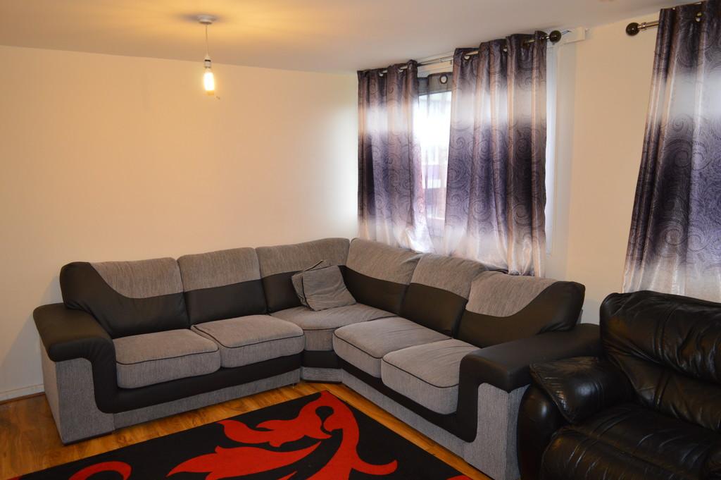 Three Bedroom Ground Floor Maisonette for rent in , Sheffield, S3