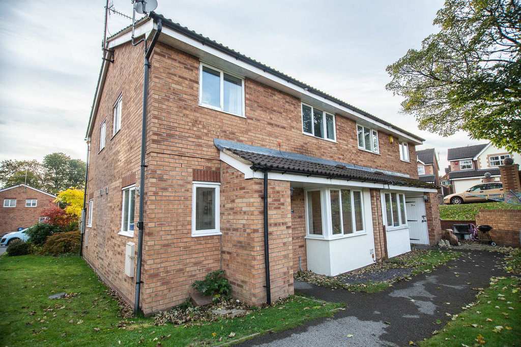 Two Bedroom Town House for sale in Chapeltown, Sheffield, S3