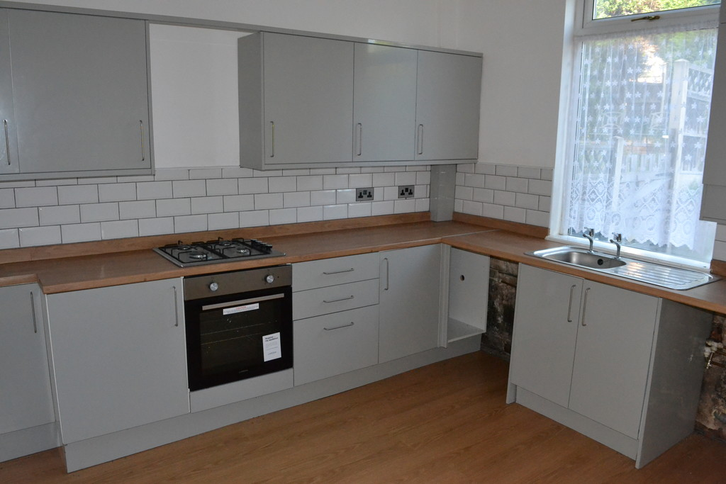 Two Bedroom Mid Terraced for rent in Rawmarsh, Rotherham, S6