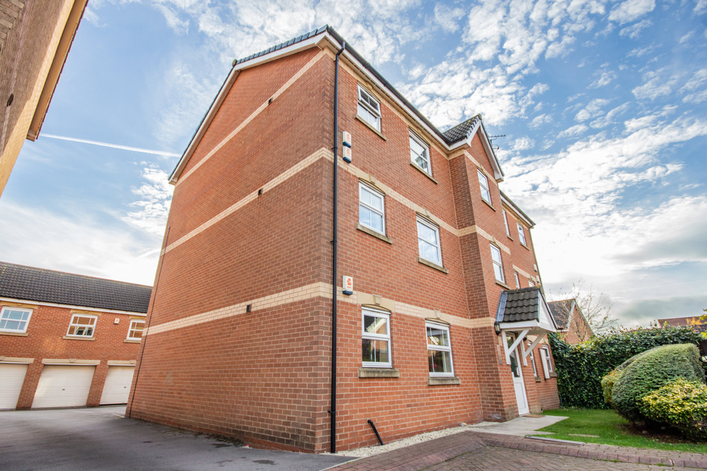 One Bedroom Ground Floor Apartment for sale in Woodlaithes Village, Rotherham, S6
