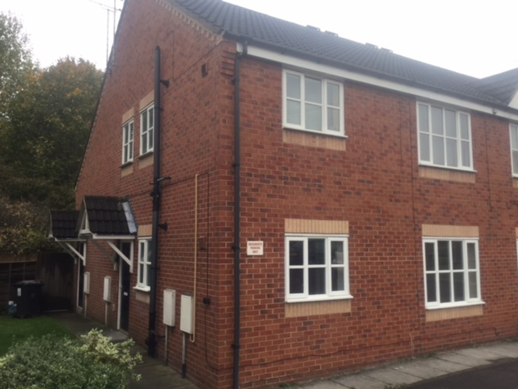 Two Bedroom for rent in Holmewood, Chesterfield, S4