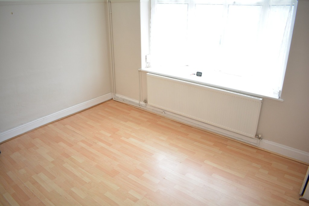 Rent includes council tax for rent in , Sheffield, S6