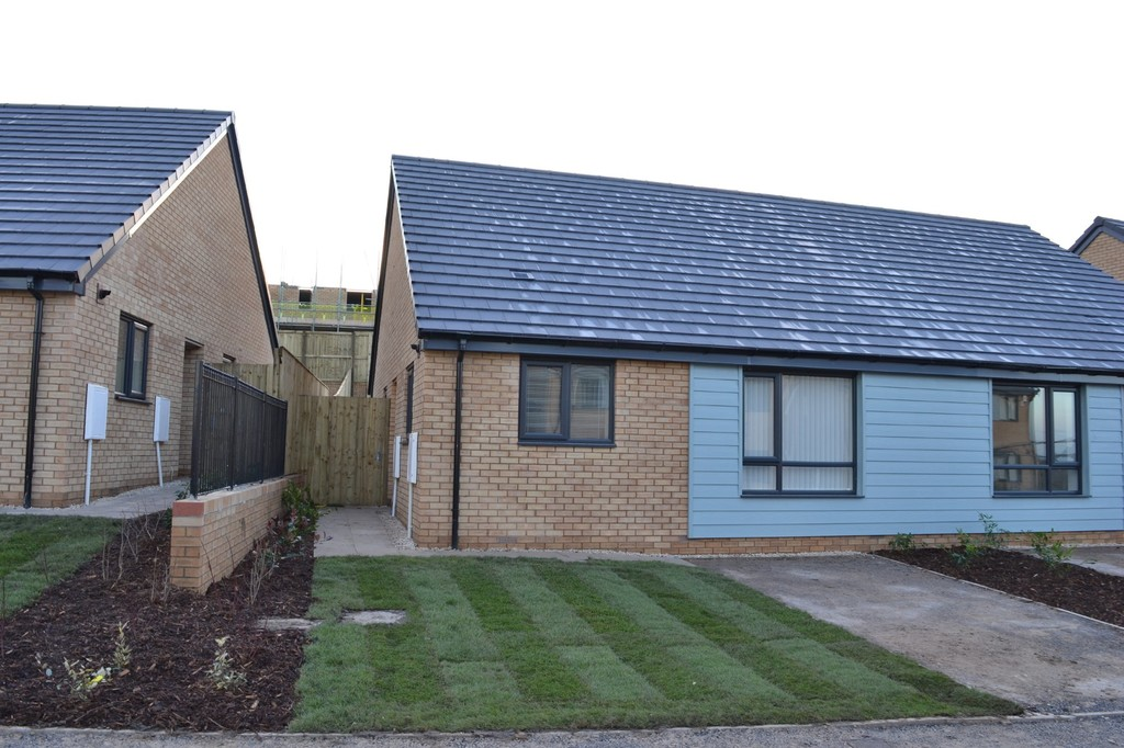 Two Bedroom Semi Detached Bungalow for rent in Edlington, Doncaster, DN