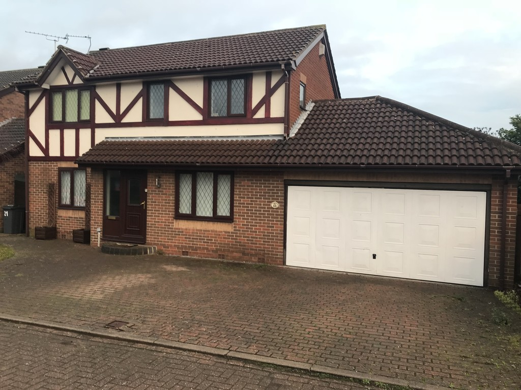 Four Bedroom Detached  House for rent in Thurcroft, Rotherham, S6