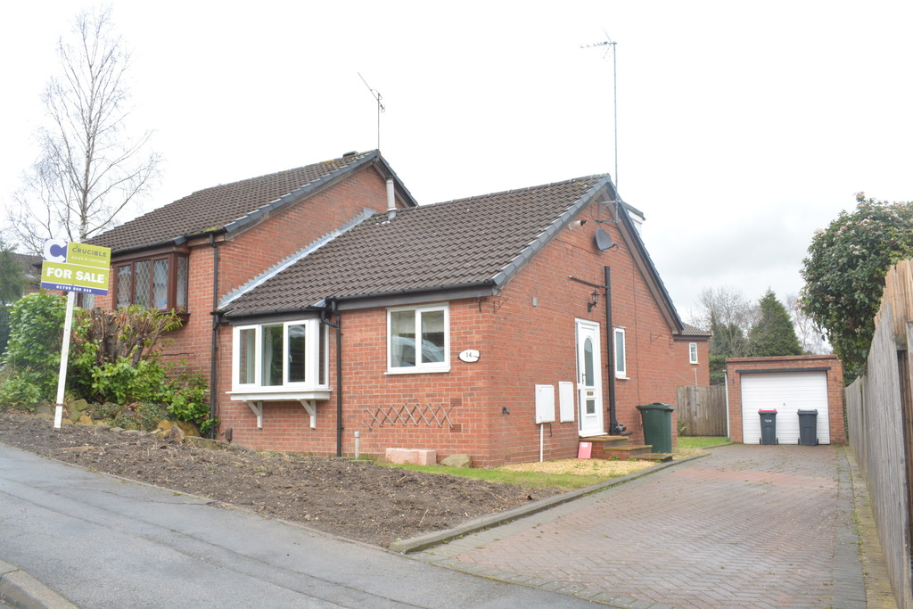 Three Bedroom Dormer Bungalow for sale in Thorpe Hesley, Rotherham, S6
