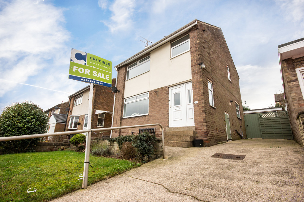 Detached House for sale in Grenoside, Sheffield, S3