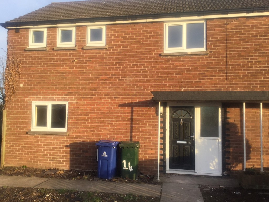 3 Bedroom Semi-Detached for rent in Auckley, Doncaster, DN
