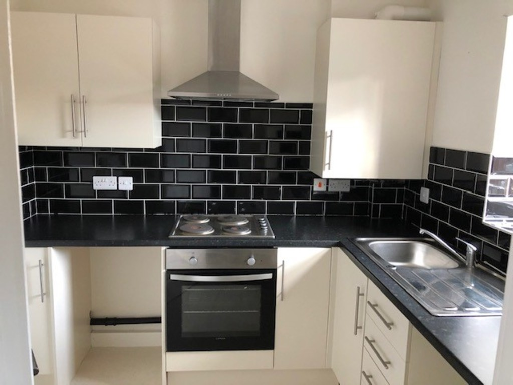 TWO BEDROOMS for rent in Albion Road, Rotherham, S6