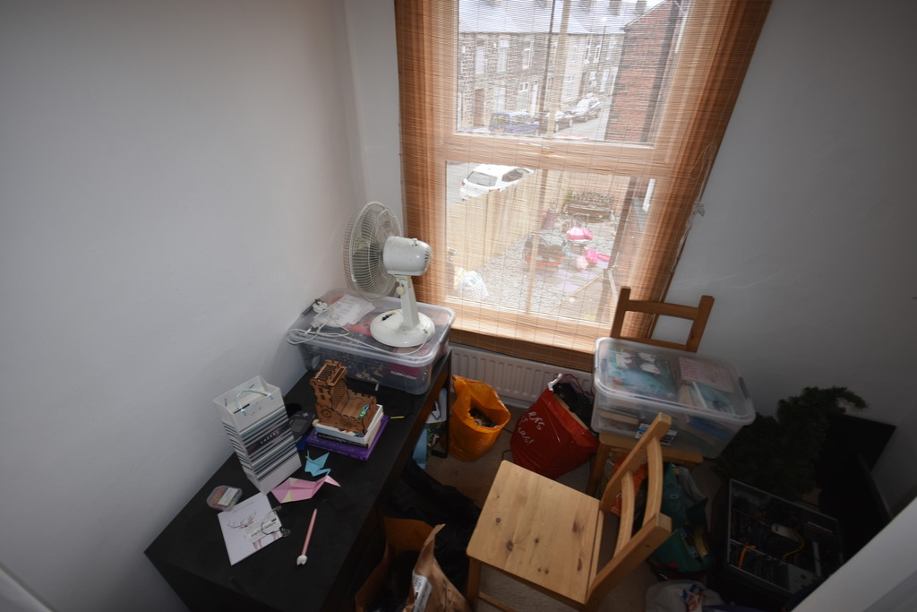 Three Bedrooms for sale in , Sheffield, S6