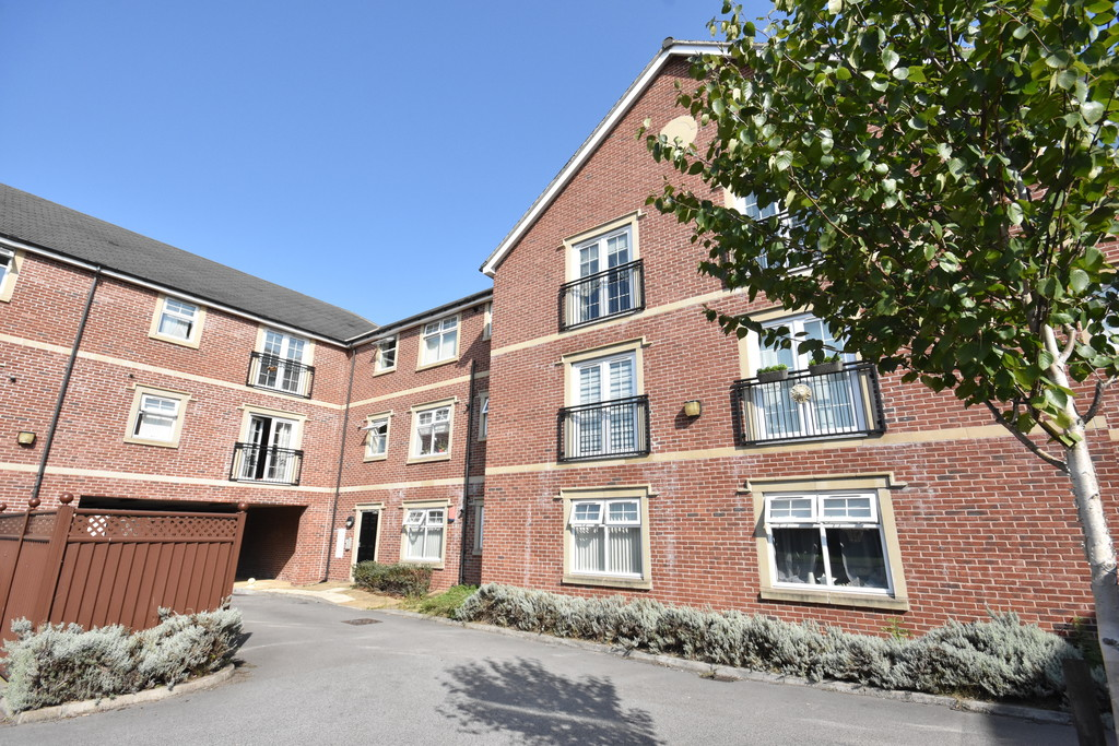 Three Bedroom Split Level Apartment for sale in Brampton, , S7