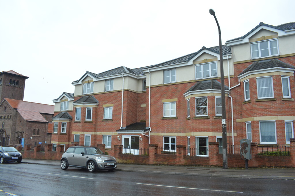 Two Bed Apartment for sale in Hoyland, Barnsley, S7