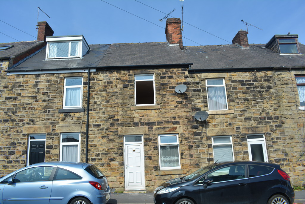 Three Bedroom Mid-Terraced Property for rent in , Sheffield, S1