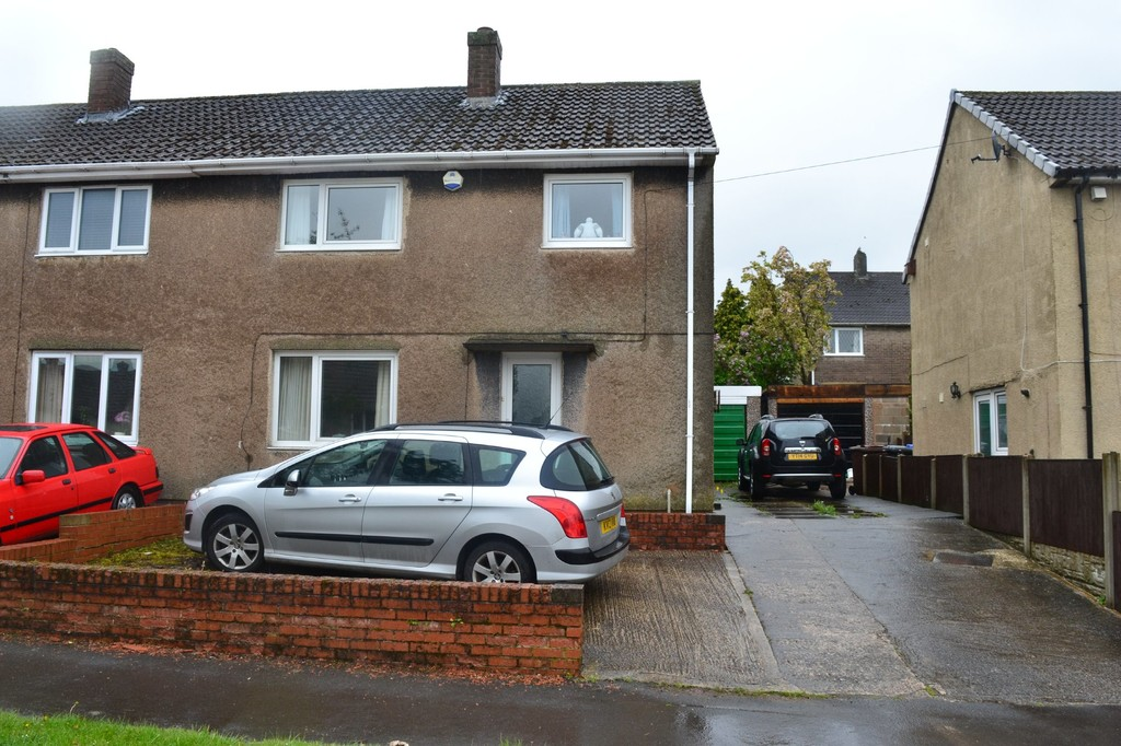 Three Bedroom Semi for sale in Deepcar, Sheffield, S3