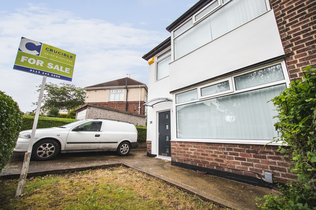Three Bedrooms for sale in , Sheffield, S5