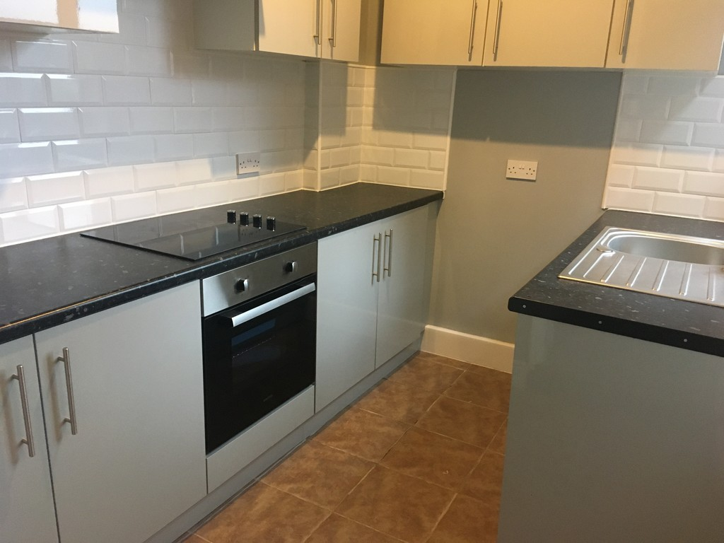 TWO LARGE BEDROOMS for rent in Rotherham, Rotherham, S6