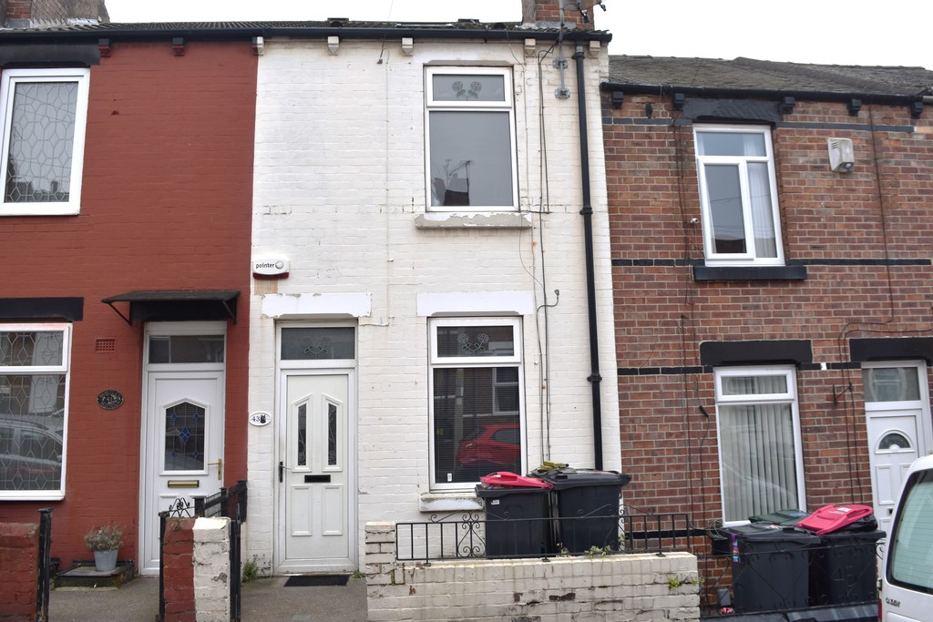Three Bedroom Inner Terrace for sale in Swinton, Mexborough, S6
