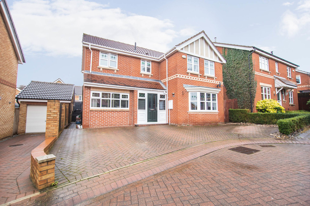 Four Bedroom Detached Home for sale in Sunnyside, Rotherham, S6