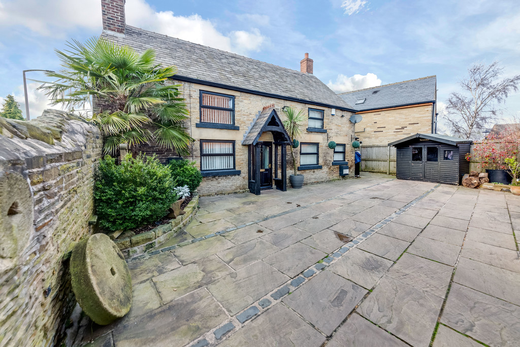 Two Bed Detached Cottage for sale in Thorpe Hesley, Rotherham, S6
