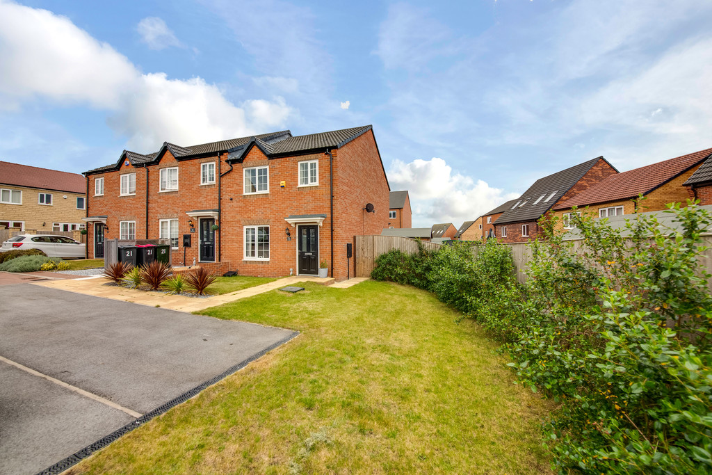Stunning Three Bedroom Town House for sale in Upper Haugh, Rotherham, S6