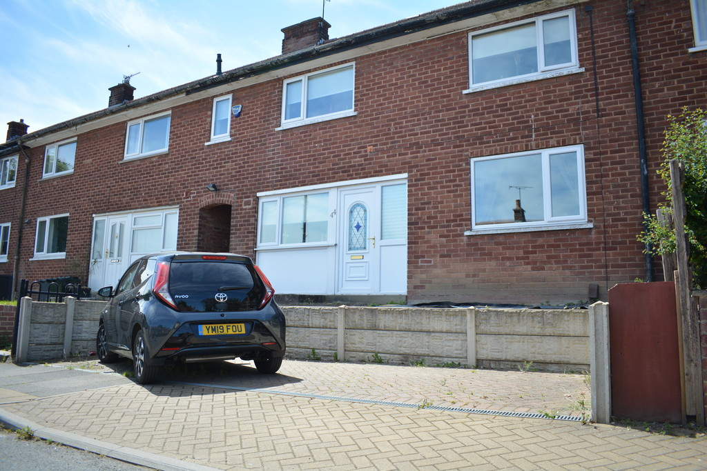 Three Double Bedrooms for sale in Kimberworth Park, Rotherham, S6