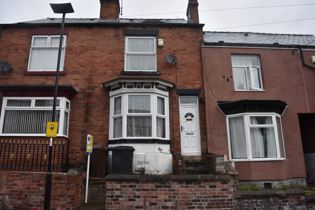 Four bedroom mid terraced house for sale in , Sheffield, S5