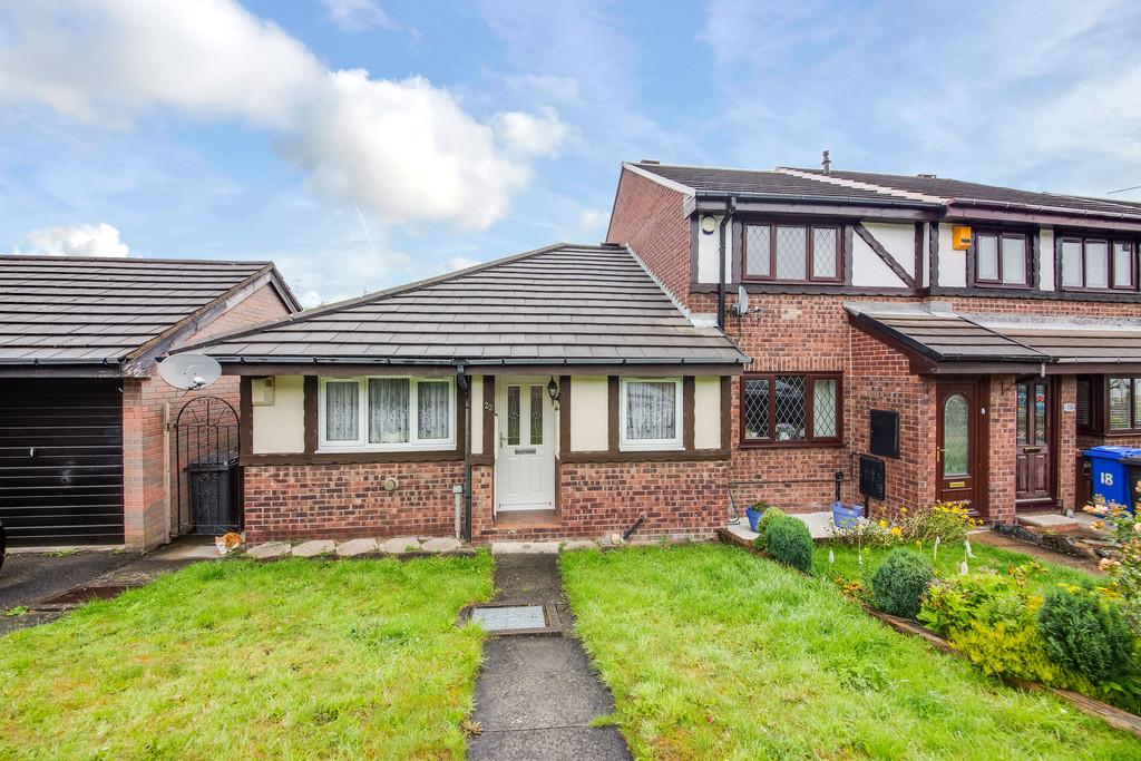 End Terrace Bungalow for sale in Stocksbridge, Sheffield, S3