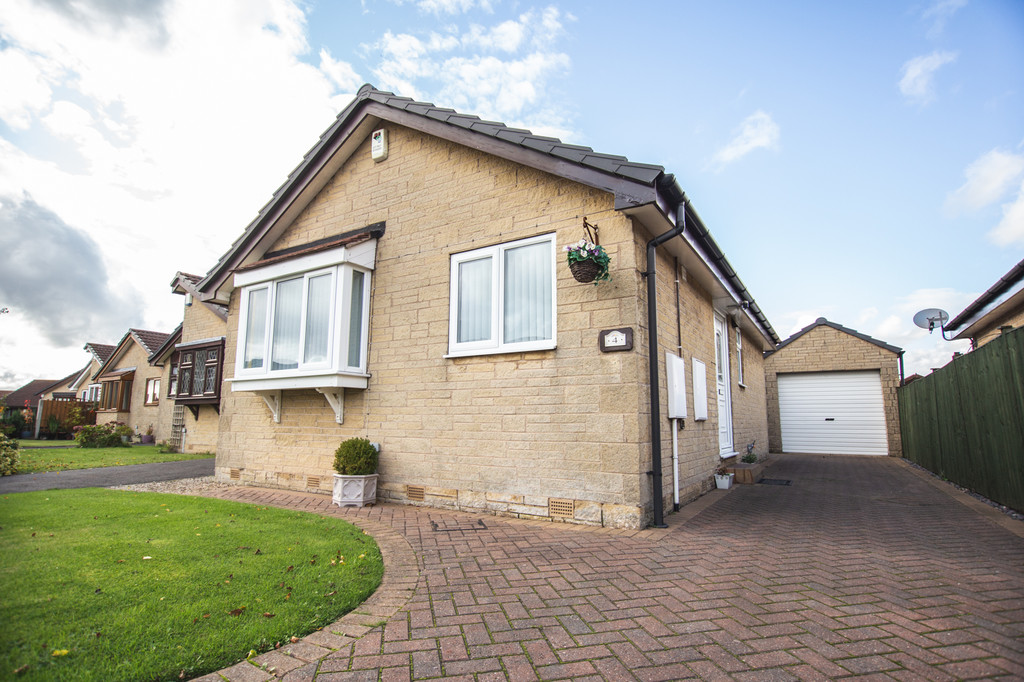 Stunning Two Bedroom Bungalow for sale in Wickersley, Rotherham, S6