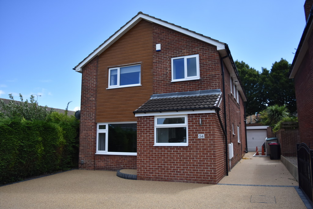 Four Bedroom Detached Family Residence for rent in Thorpe Hesley, Rotherham, S6