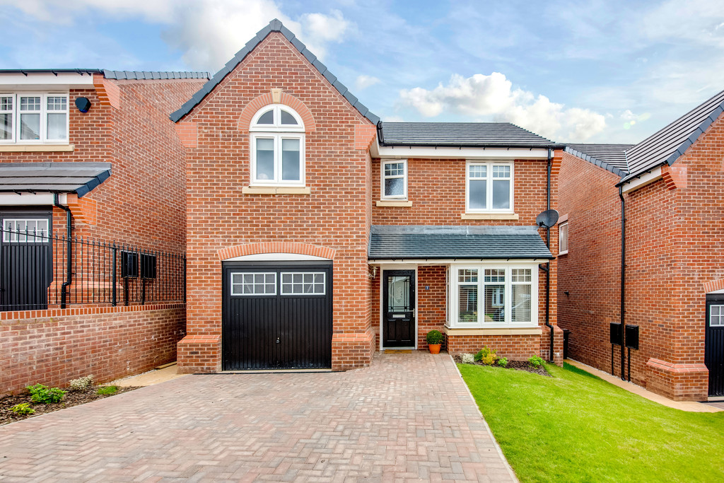 Four Bedroom Detached Family Residence for sale in Wickersley, Rotherham, S6