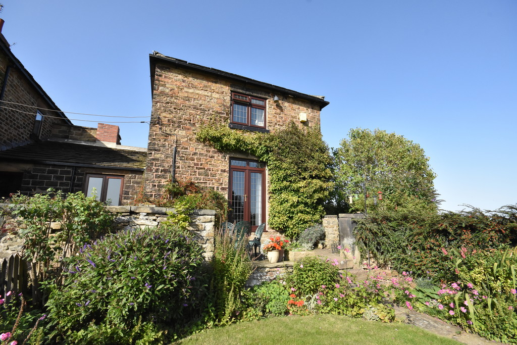 Grade II Listed Three Bedroom Cottage for sale in Elsecar, Barnsley, S7