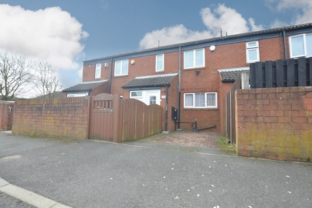 Deceptively Spacious for sale in Flanderwell, Rotherham, S6