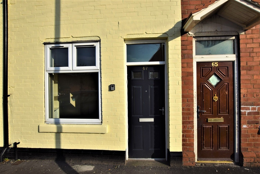Two Bed Mid Terraced Home for rent in , Rotherham, S6