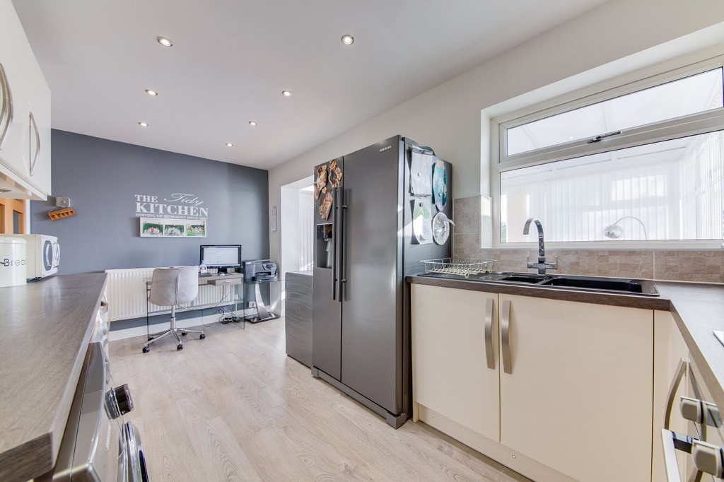 Modern Kitchen  for sale in Wincobank, Sheffield, S9