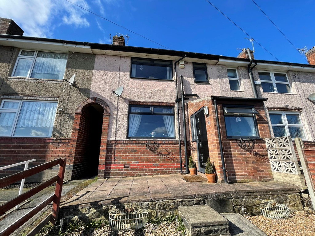 Three bedroom mid town house for sale in , Sheffield, S6