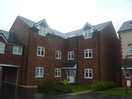 Modern 2 Bedroom Apartment for rent in Harworth, Doncaster, DN