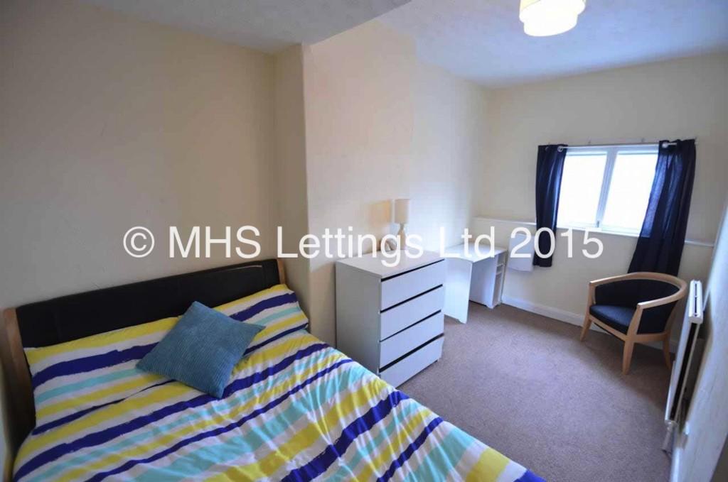 Attic Bedroom, 6 Haddon Avenue, Leeds, LS4 2JF