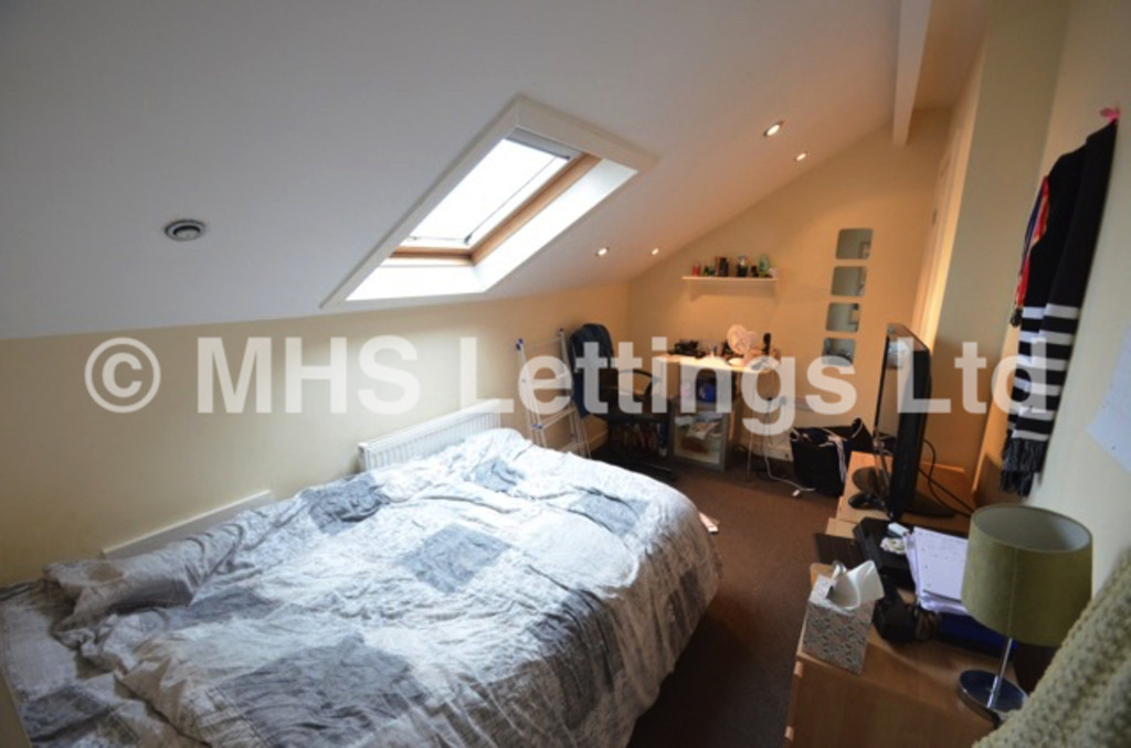Room 6 @ 20 Stanmore Place, Leeds, LS4 2RR