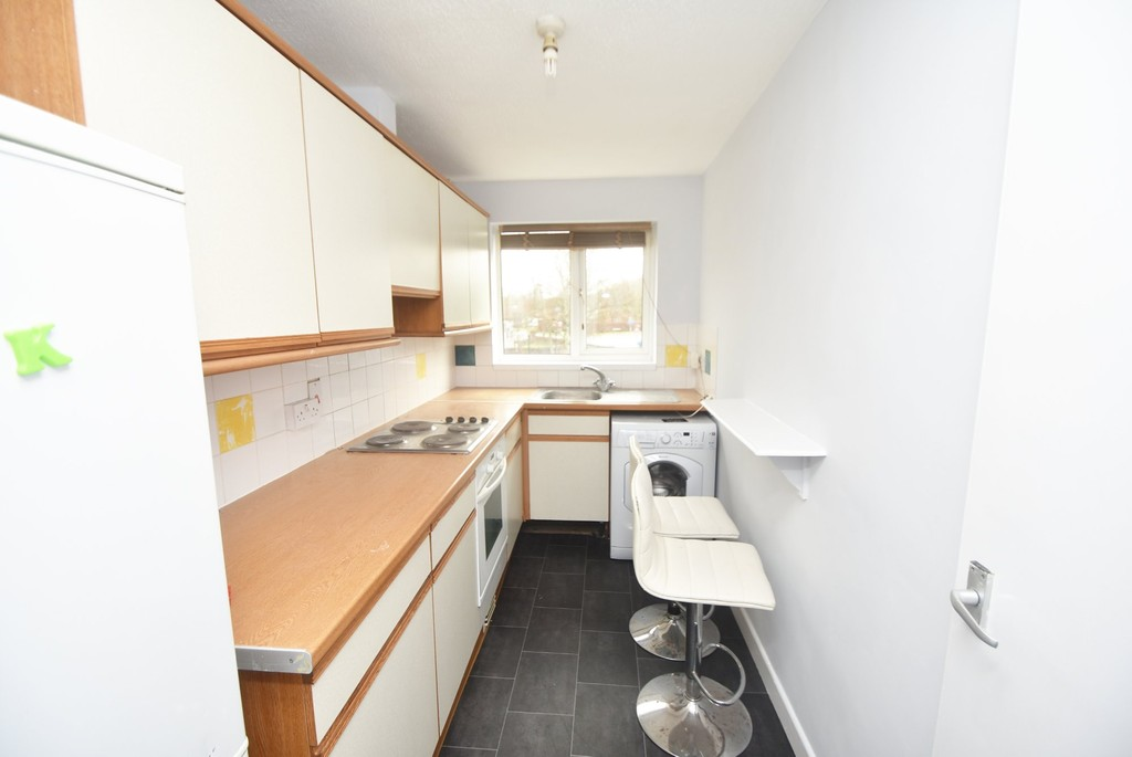 Flats And Apartments To Rent In Hayling L2L655-378