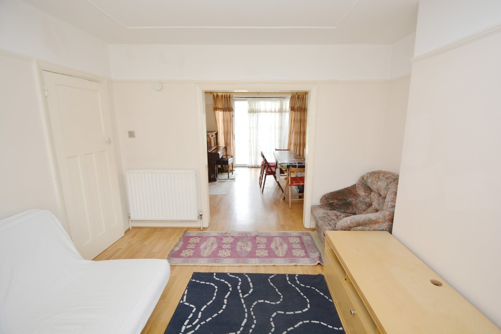 Property To Rent In London L2L655-383