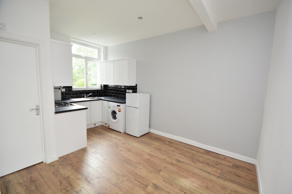 Flats And Apartments To Rent In London L2L655-100