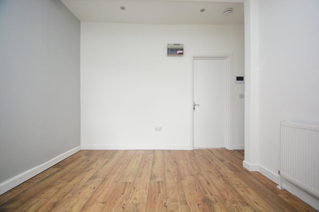 Rent In West Harrow L2L655-100