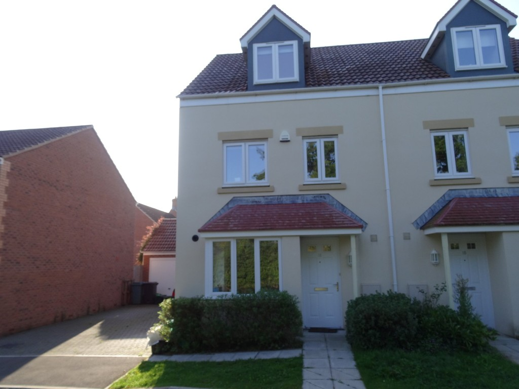 TO LET: Green Crescent, Frampton Cotterell, Bristol