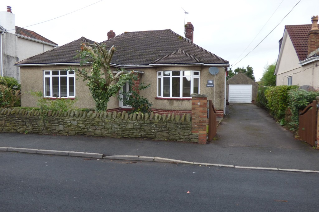 TO LET: Station Road, Winterbourne Down, Bristol