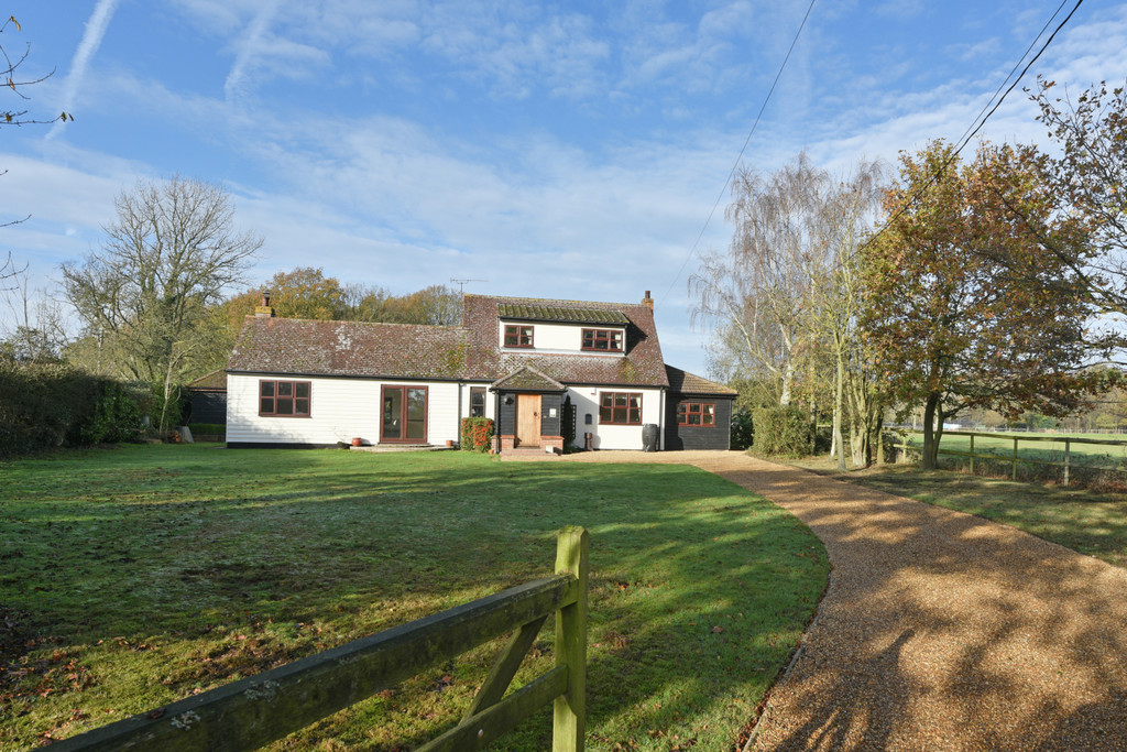 Countess Cross, Colne Engaine, Colchester, CO6 2QJ