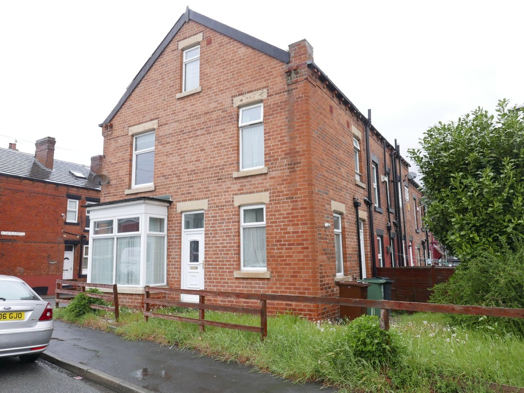 Cow Close Road, Farnley, Leeds, LS12 5NU