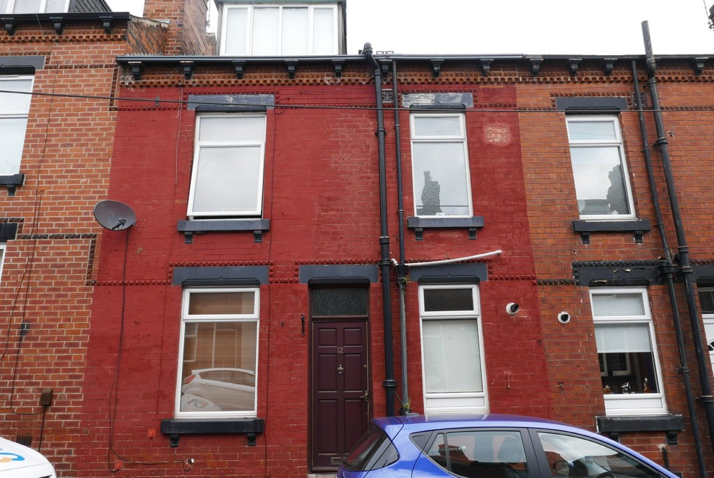 Moorfield Avenue, Armley, Leeds LS12 3RZ