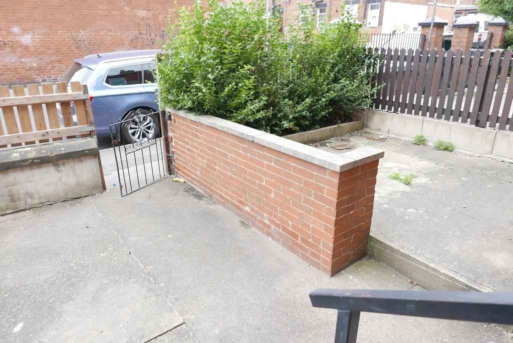 Armley Lodge Road, Armley, Leeds, LS12 2AT
