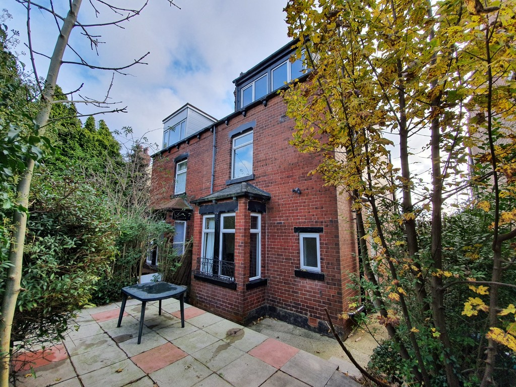 Conference Road, Armley, Leeds, LS12 3DX