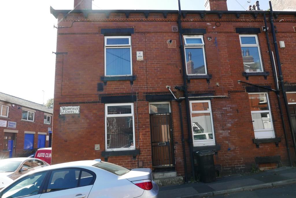 Moorfield Grove, Armley, Leeds, LS12 3RY